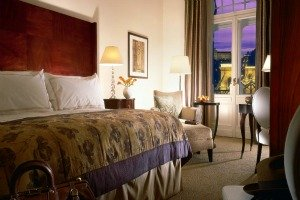 0202-xGreshamPalaceHotelRoom.jpg.pagespeed.ic.utv1BxpRIi