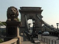 0302-xattractions-chain-bridge.jpg.pagespeed.ic.6ZsNf25m6d
