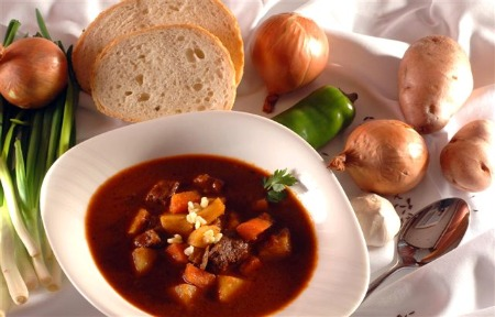 Hungarian Goulash Recipe Ingredients Facts Origins And Cooking Tips